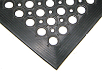 Slopping Side Drainage Mat